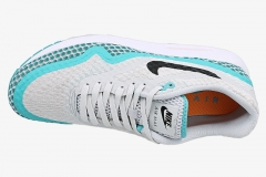 NIKE-AIR-MAX-1-LUNAR-top