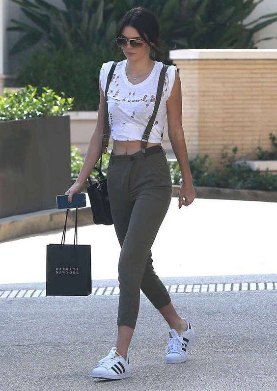Kendall Jenner w adidas Superstar